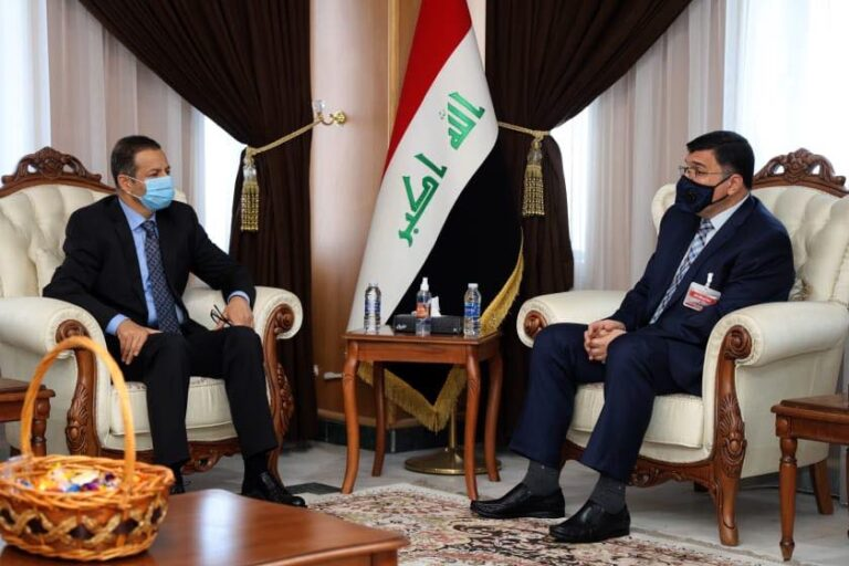 The Minister of Water Resources Meets with the Former Iraqi Parliament Speaker